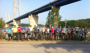 I organized a Bridge to Bridge (Quincy to Hannibal and back) ride for the 4th of July, and despite the high temps, attendance was GREAT!  I'm so happy so many people came out for this and I hope we do it again next year!
